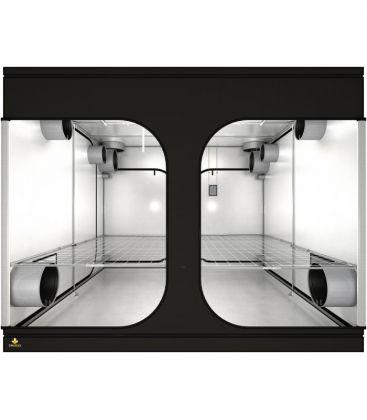 Secret Jardin Dark Room 300 Rev 4.0 (297 x 297 x 217 cm)